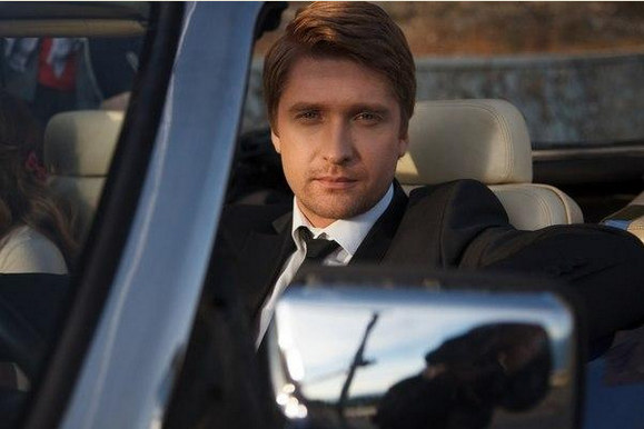 Антон в машине
