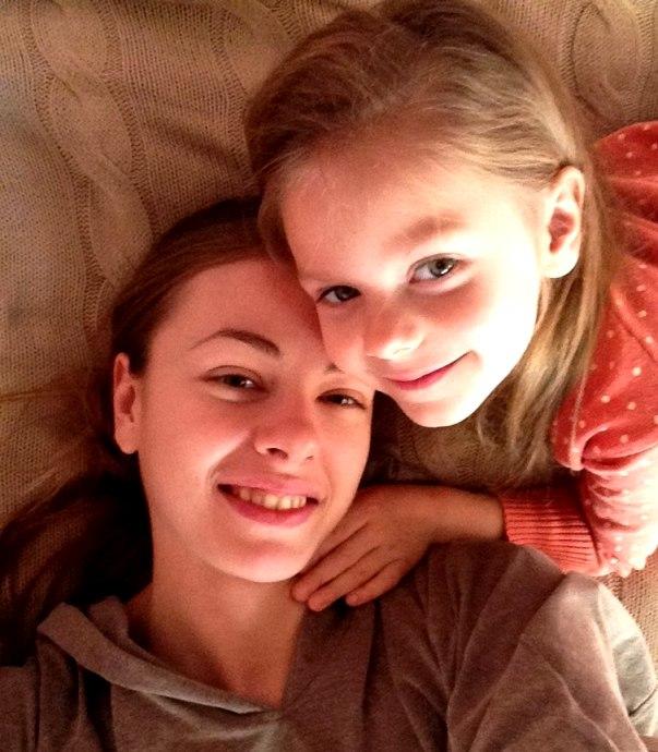 Олеся Фаттахова с дочкой Машей